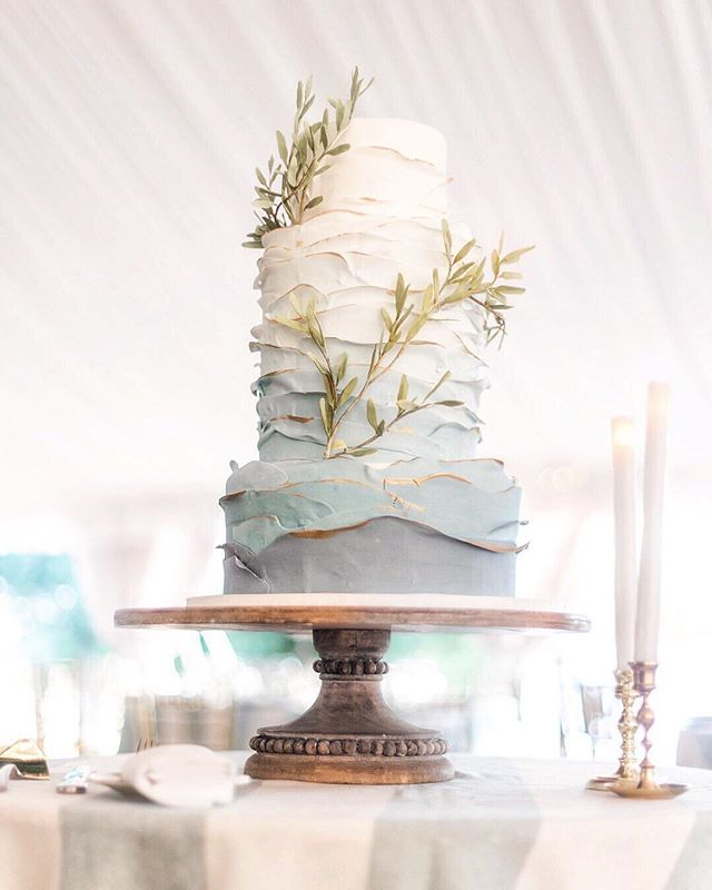 "RepostBy @washingtonianweddings: ""Queen cake status: Ombré tiers, golden gilding, and greenery-strewn. What do we think... is ombré here to stay for 2019? (I think so) // photo: @mandaweaver / cake: @catherinegeorgecakes / cake stand: @whitegloverentals #cakedesigns #cakedesigners #dccakes #dcbakery #mdbakery #dcweddingcakes #dcweddings #mdweddings #southernmarylandweddings #washingtonianweddings #washingtondcweddings #cakestyleinspo #ombrecake #ombrecakes #ombrécakes #ombrewedding #bluecake #bluecakes #tieredcakes #gildedcakes #romanticcakes #romanticweddingcakes #blueweddings"" (via #InstaRepost @AppsKottage)"