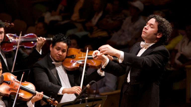 Gustavo Dudamel (c) Nohely Oliveros 1.jpg