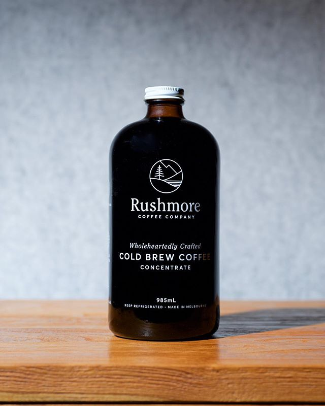 If you like your coffee STRONG; our concentrates are for you. This cold brew is made to be strong but not bitter. Enjoy straight up over ice or serve with your favourite milk or water. Grab a 985ml from our online store, or a 485ml from one of our tagged stockists. 💪🏼