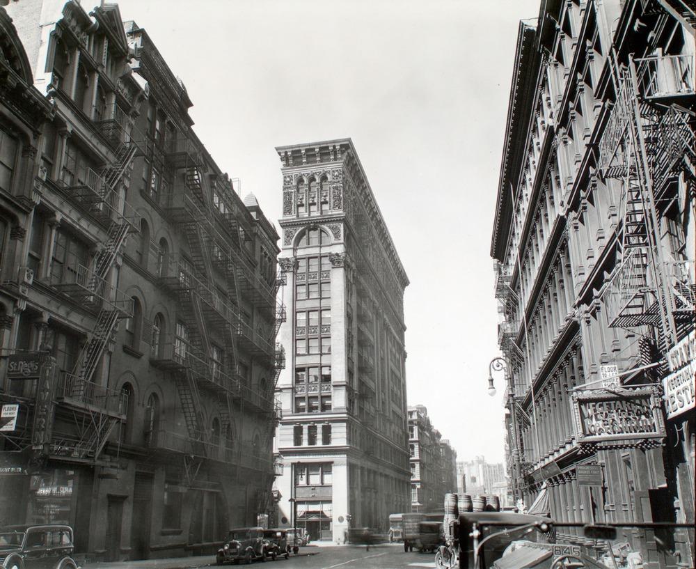 New York Public Library: Broadway near Broom street-Manhattan, Berenice Abbott, 1935
