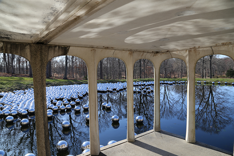 narcissus-garden-yayoi-kusama-the glass-house.jpg