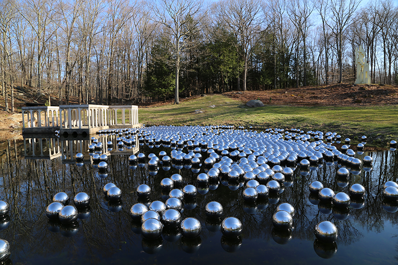 narcissus-garden-yayoi-kusama-the glass-house-02.jpg