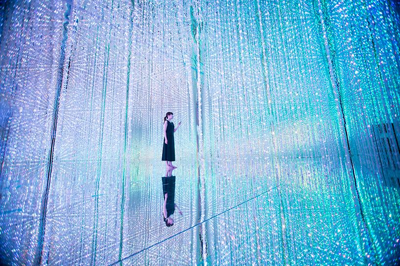 Teamlab, 'Wander through the crystal universe'