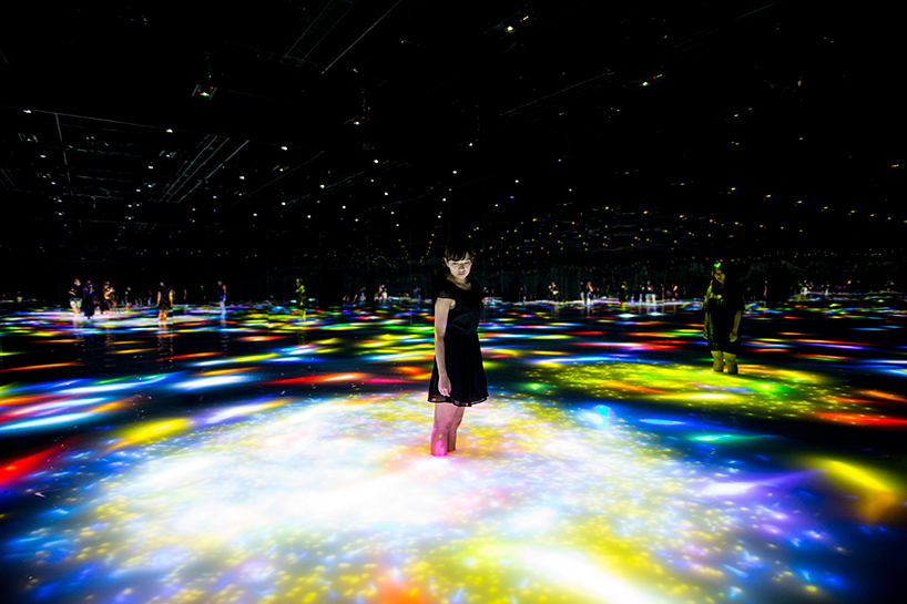 Teamlab, 'Drawing on the water surface created by the dance of koi and people — infinity'