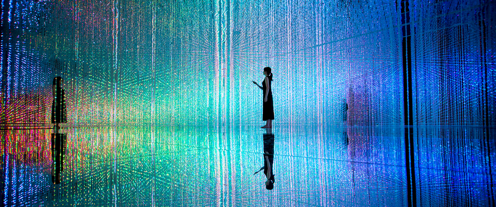 Teamlab, 'Wander through the crystal universe'