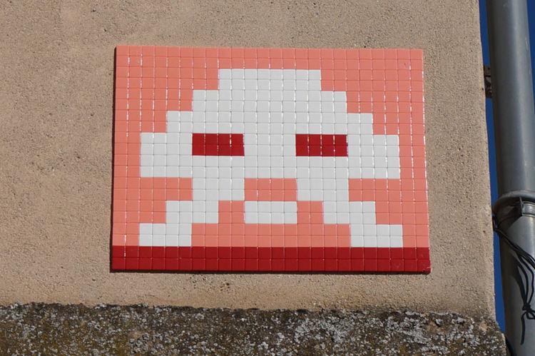invader-streetart-tolosa-04.jpg