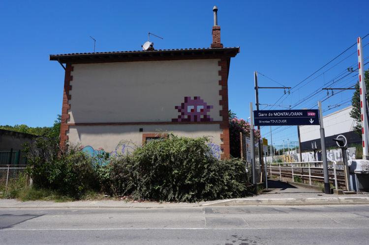 invader-streetart-tolosa-11.jpg