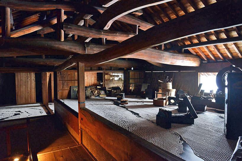 Motoi Yamamoto ha lavorato in una casa tradizionale