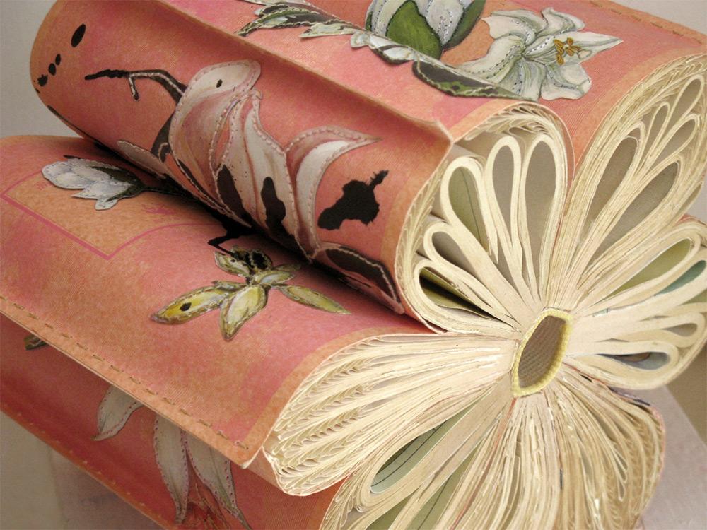 jacqueline Rush Lee, sculture di carta fatte con libri vintage (particolare)