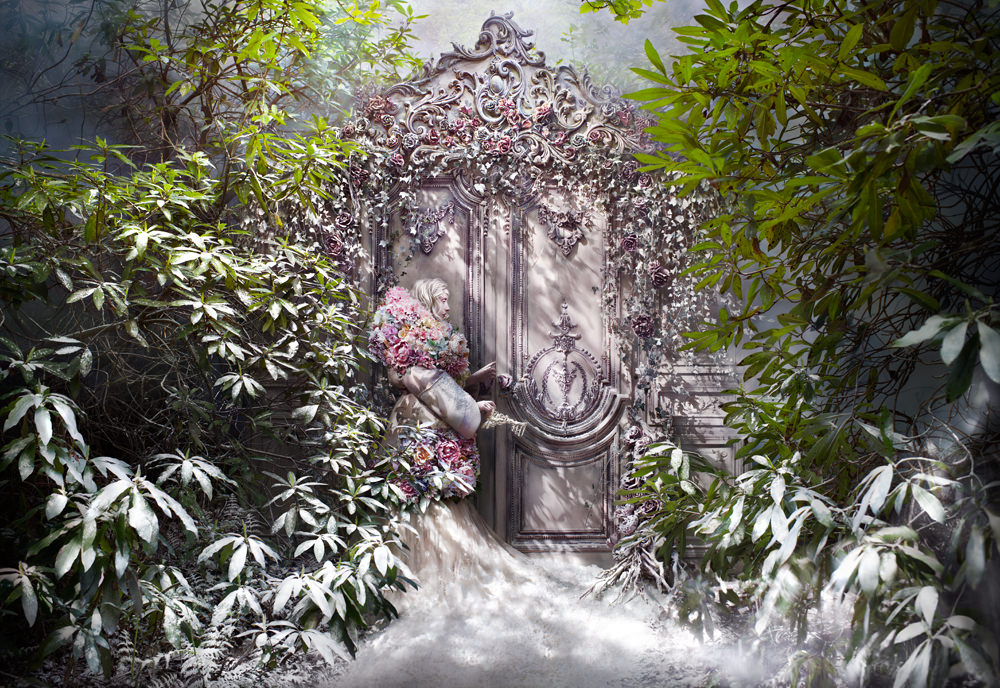 "kirsty mitchell, wonderland series, foto: ""the fade of fallen memories"""