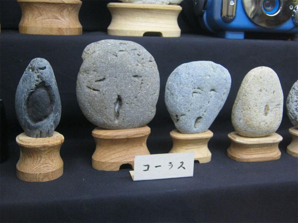 Il museo delle rocce che sembrano facce a Chichibu in Giappone
