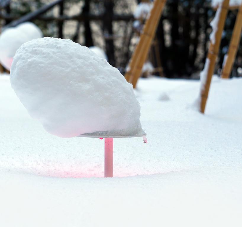 """Toshihiko Shibuya, installazione """"Snow Pallet 9"""", l'opera cambia con il procedere della stagione e con le ore del giorno"""