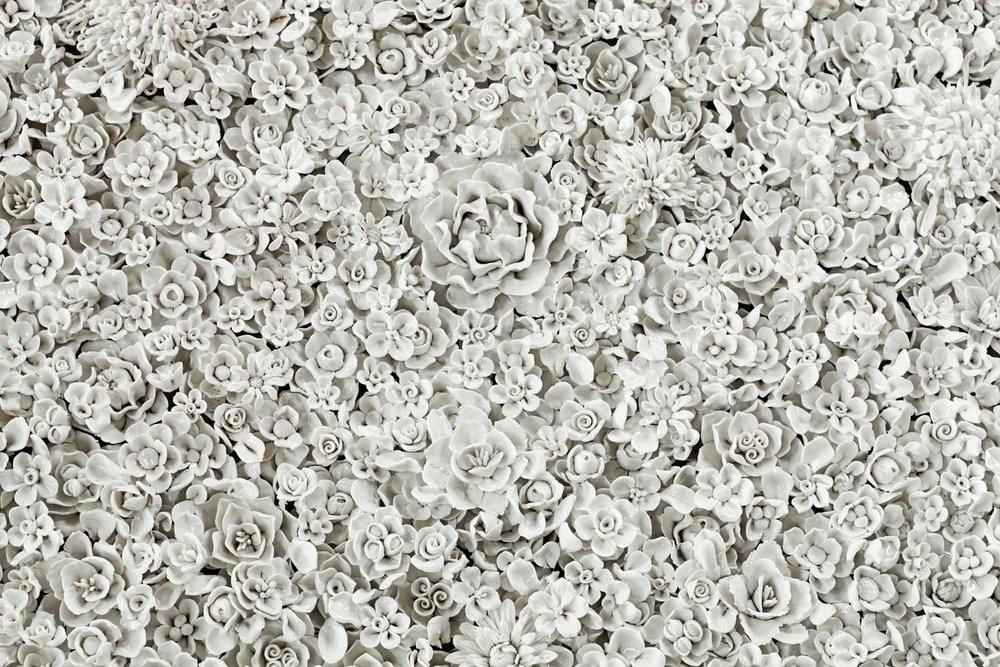 "ai weiwei, ""blossom"", 2015, installazione in porcellana, courtesy ai weiwei studio galleria continua, san gimignano/beijing/les moulins/habana"