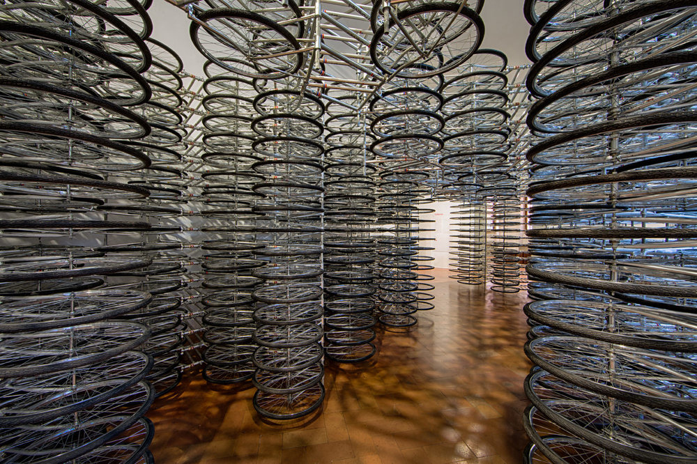 """ai weiwei, """"stacked"""", 2012, installazione in biciclette, acciaio e gomma, courtesy ai weiwei studio galleria continua, san gimignano/beijing/les moulins/habana"""