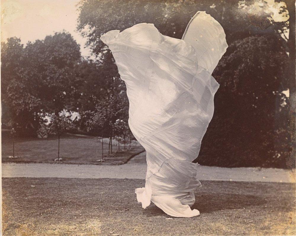 Samuel Joshua Beckett. Loie Fuller Dancing, 1900