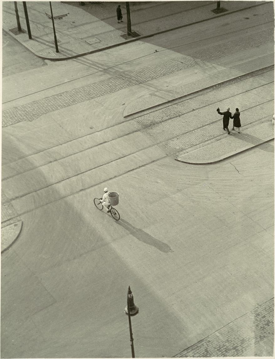 László Moholy-Nagy, 7A.M. (New Year's Morning) 1930