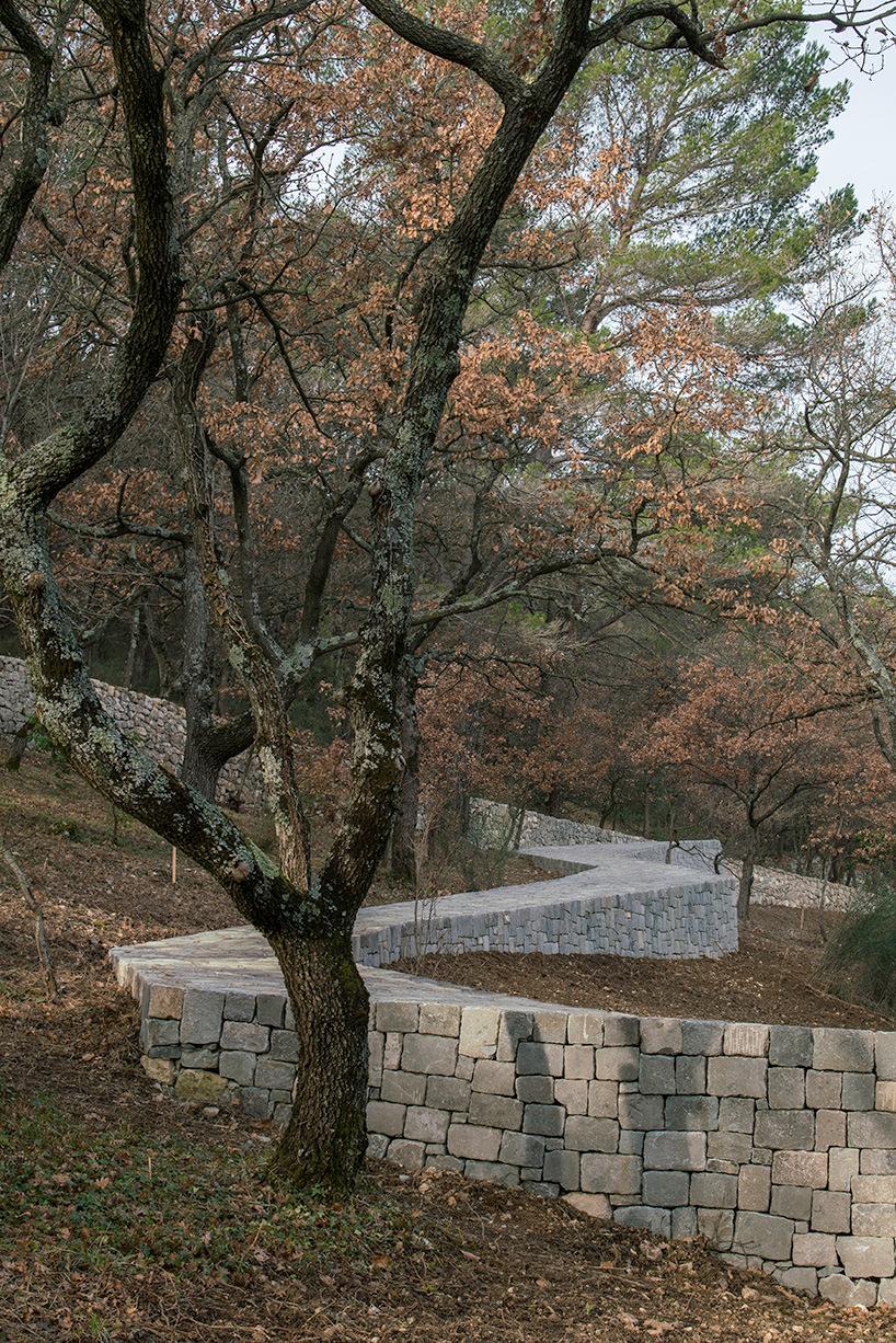 ai-weiwei-ruyi-path-01