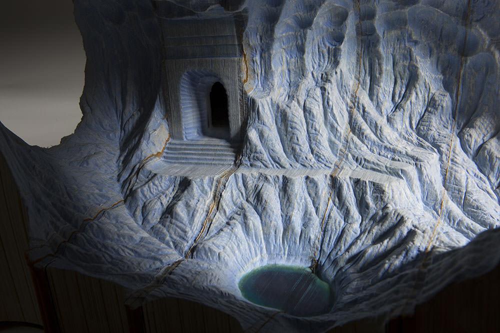 guy-laramee-scultura-di-libri