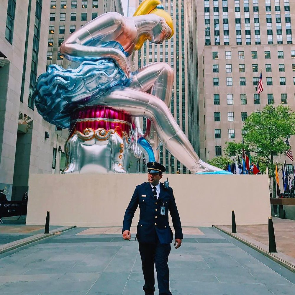 jeff-koons-seated-balllerina-rockefeller-center-02