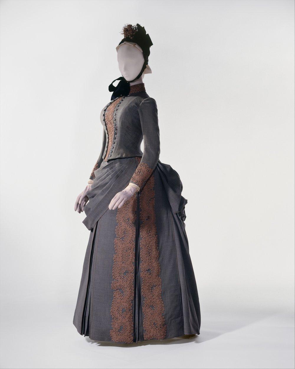 """Masterpieces of The Metropolitan Museum of Art"". Herman Rossberg, Abbigliamento per matrimonio, 1887"