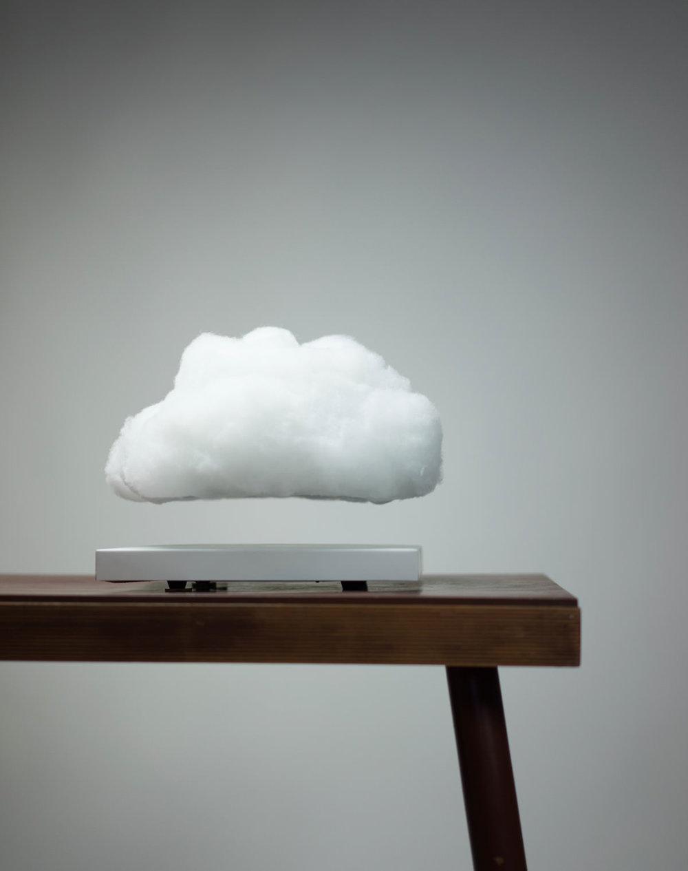 lampada-nuvola-volante-richard-clarckson