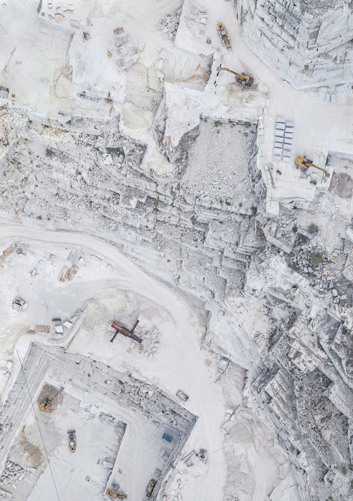 bernhard-lang-carrara-marble
