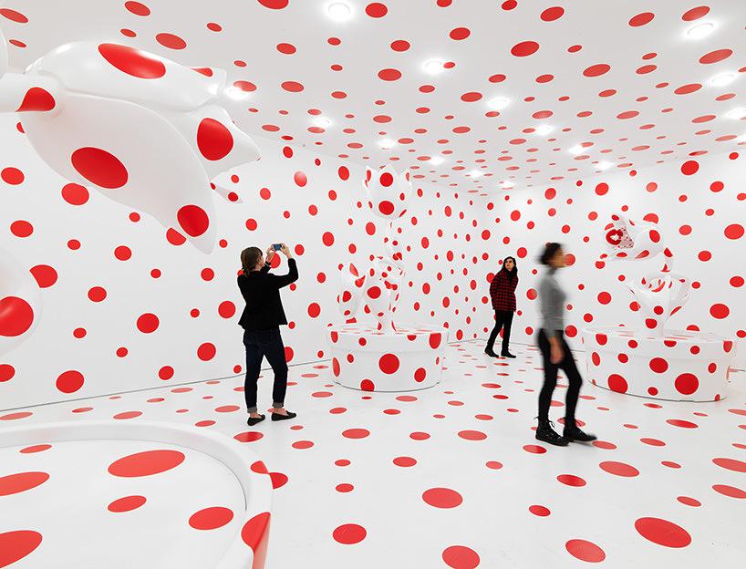 installation view,yayoi kusama: festival of life, david zwirner, new york, 2017;image © yayoi kusama / courtesy of david zwirner, new york; OTA fine arts,tokyo/singapore/shanghai; victoria miro,london; yayoi kusama inc.