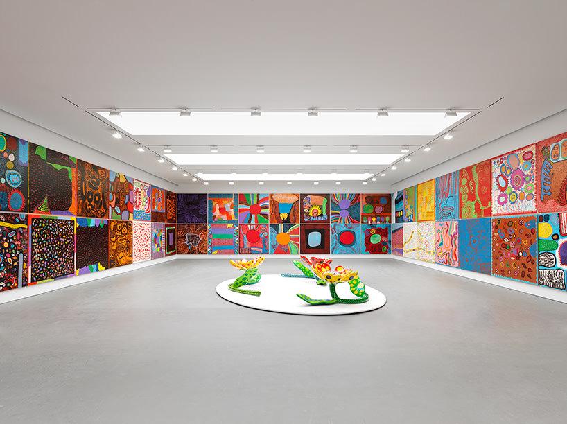 installation view, yayoi kusama: festival of life, david zwirner, new york, 2017;image © yayoi kusama / courtesy of david zwirner, new york; OTA fine arts, tokyo/singapore/shanghai; victoria miro, london; yayoi kusama inc.