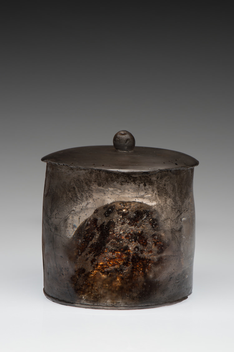 Meng Du, Echo form the Highland, 2016; Kiln-formed glass, tea, silver, wood