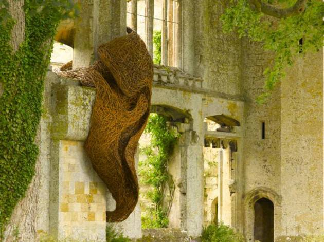 'Form of Intrigue' for Sotheby's exhibition, 'Material Worlds', Sudeley Castle, Flanders Red willow, 2011 Photo courtesy of Sotheby's
