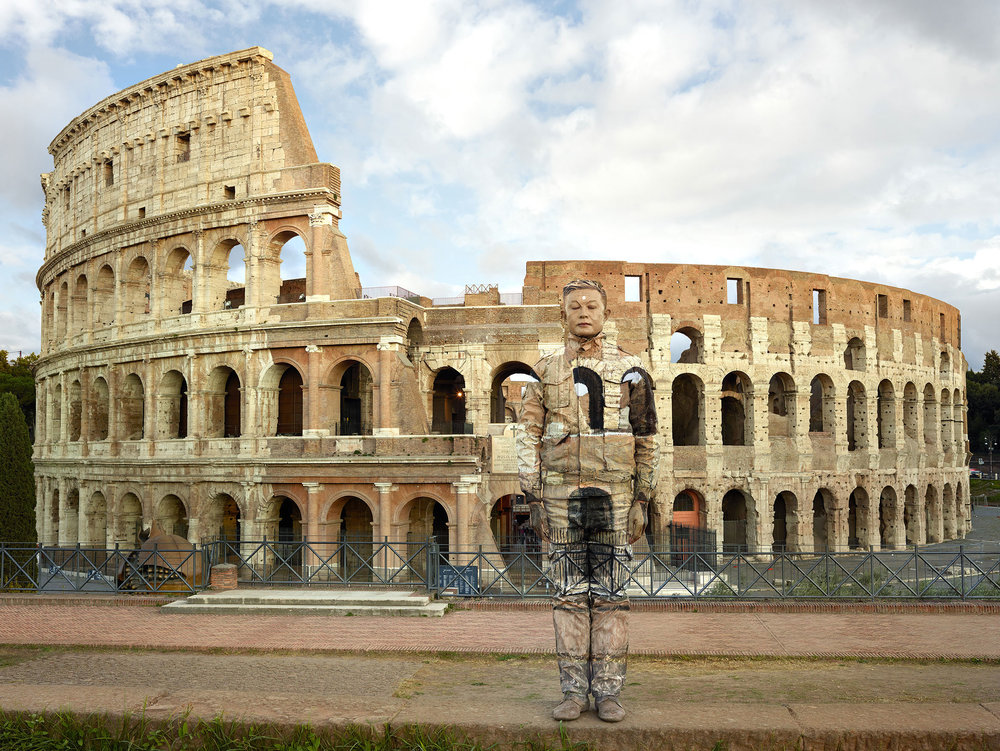 Liu Bolin, Colosseo n°2, Roma, 2017, Courtesy Boxart, Verona