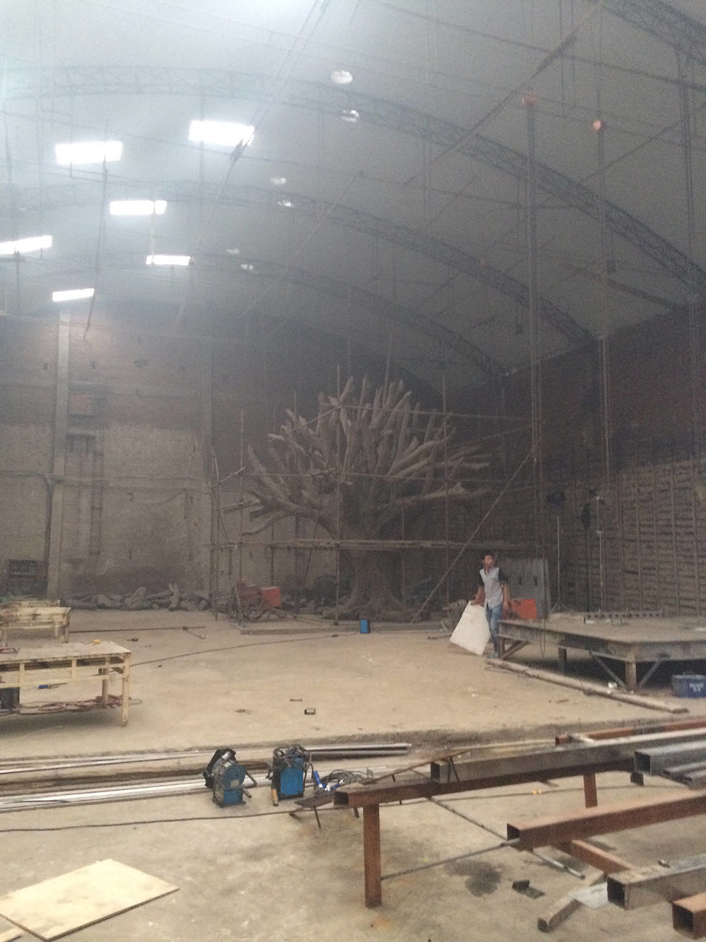 Parte dell'installazione 'Tree' nello studio in Beijing di Ai Weiwei Photo: Tim Marlow © Royal Academy of Arts, London