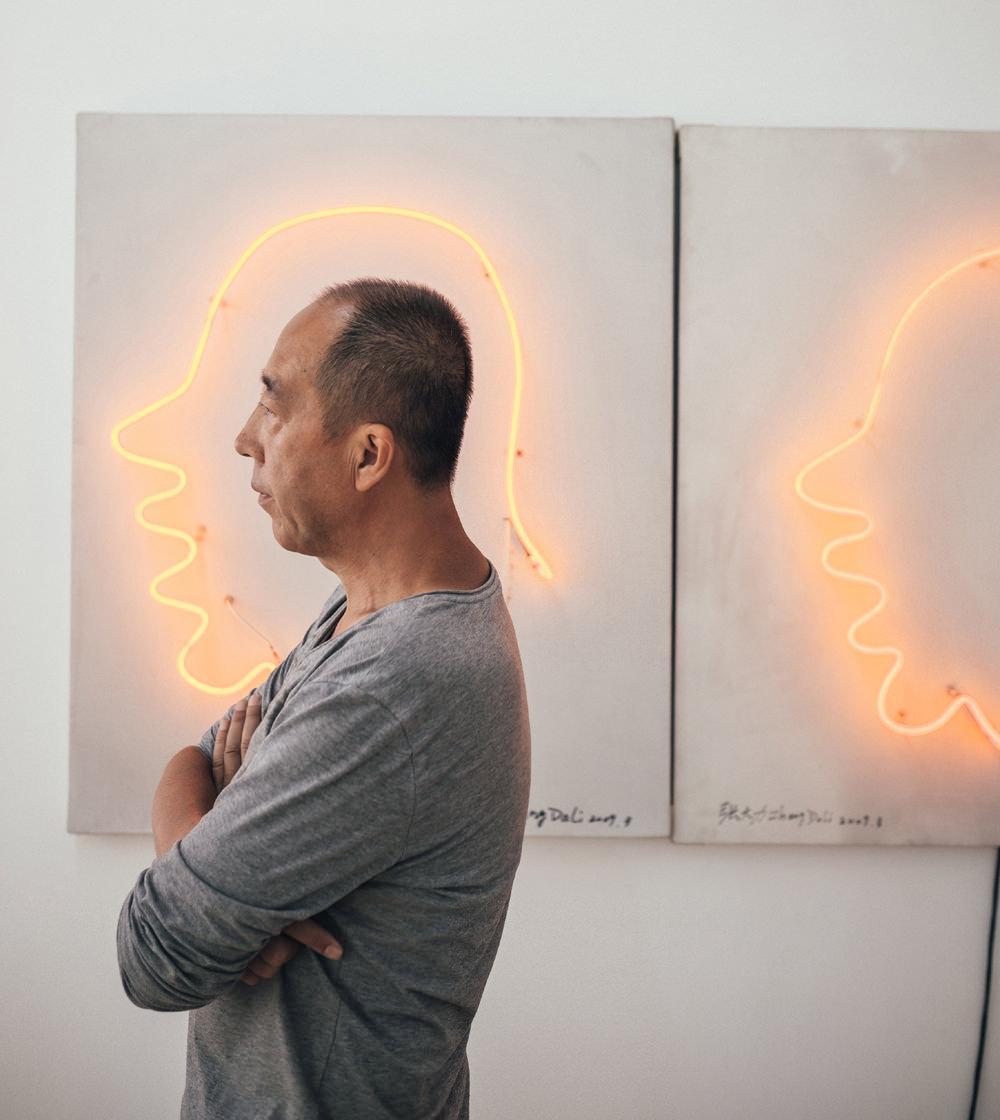 Zhang Dali nel suo studio di Pechino