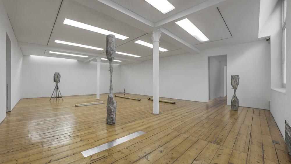 """Giorgio Andreotta Calò; Veduta della mostra, """"La scultura lingua morta III"""", Sprovieri Gallery, Londra, 2015. Courtesy Sprovieri Gallery, Londra. Foto: Riccardo Abate"""