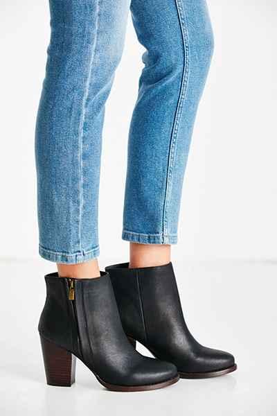 Urban Boots.jpg