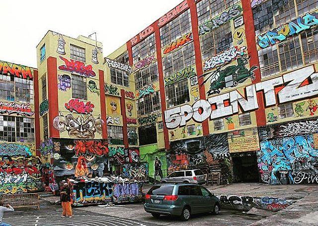 Great Compliation of Street Art.... 5 Pointz . . . . #nyc#streetart #5pointz #lost#retro #beatstreet #jerseycity #nj #concretejungle#queens #graffitti #beats#eats#vibes#dope
