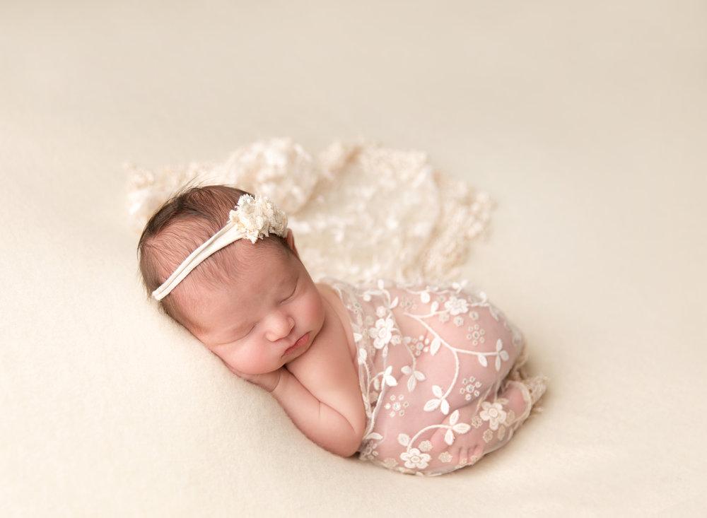 NewbornMarina6LucianaGolcman.jpg