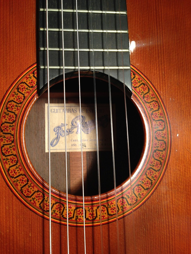 BARGAINS, CLEARANCE AND VINTAGE GUITARS -