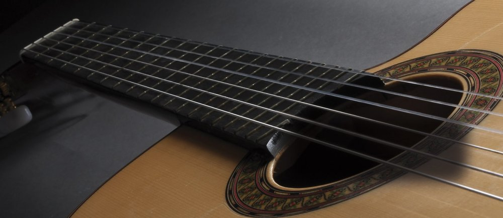 ALMANSA-guitarra.jpg