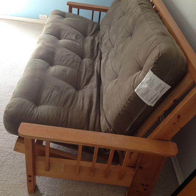 Anyone in #oakland want this #futon frame? #furniture #free #freestuff #freecycle