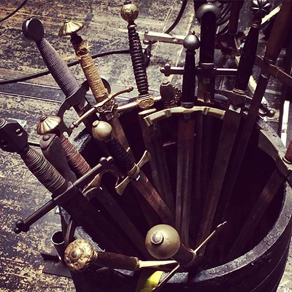 La_Donna_swords.jpg