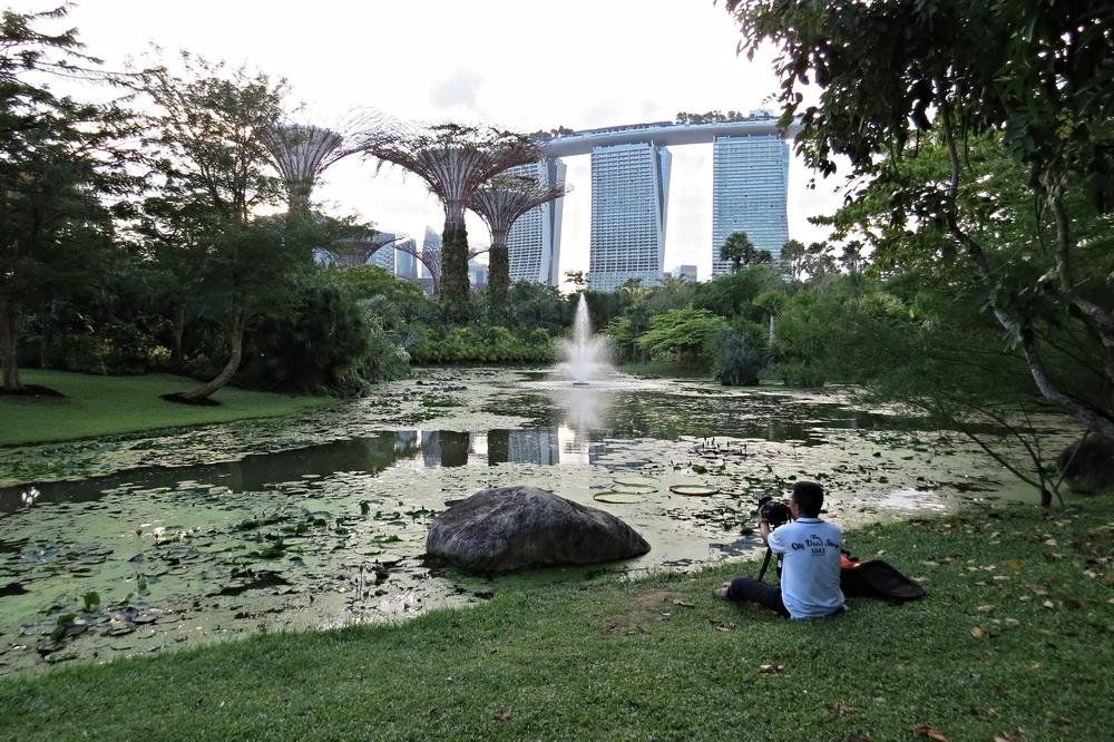 10 Marina Bay Sands in back.JPG
