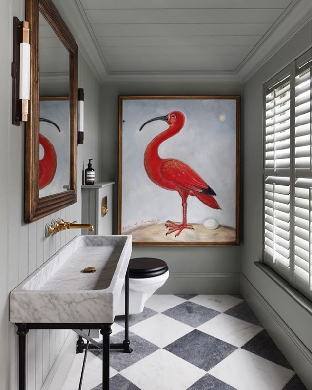•THE VIEWS• A Moody bathroom at our Ham✖️@tomhouseproperty home - now on the market ✨  #bathroomdesign #countryhouse #onthemarket #farrowandball #birdsofamerica #marblesink #bespokevanity #tomhouseproperty #haminteriors #ballards
