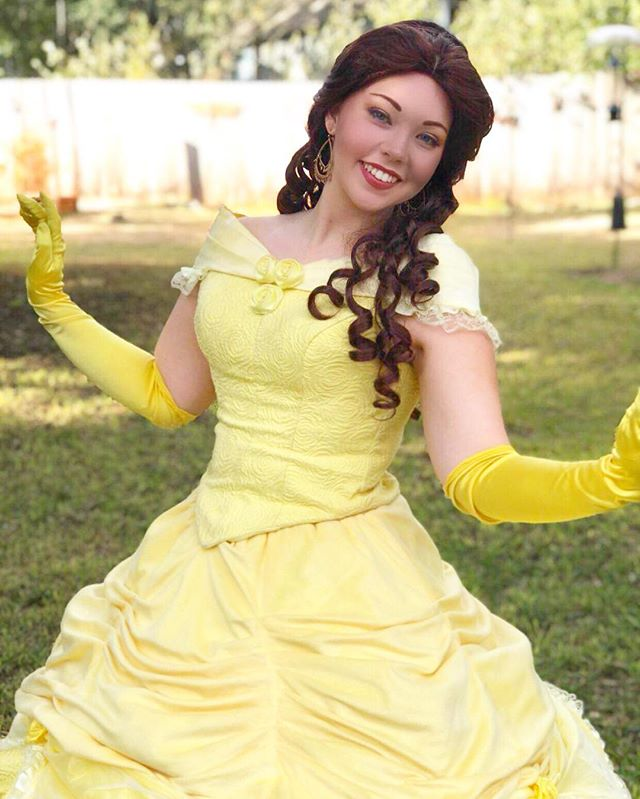 What are your favorite holiday stories to get you into the holiday spirit? #princessparty #partyprincess #sanantonioprincessparty #austinprincessparty #partyperformer #princessperformer #facecharacter #princessbelle #bellecosplay #batb #beautyandthebeast #disneycosplay #disney #disneyprincess #princesscosplay #austin #atx #sanantonio #cedarpark #pflugerville #newbraunfels #sanmarcos #killeen #austinkids