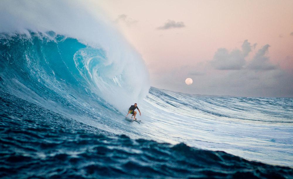 moonlightatpeahi_surf.jpg