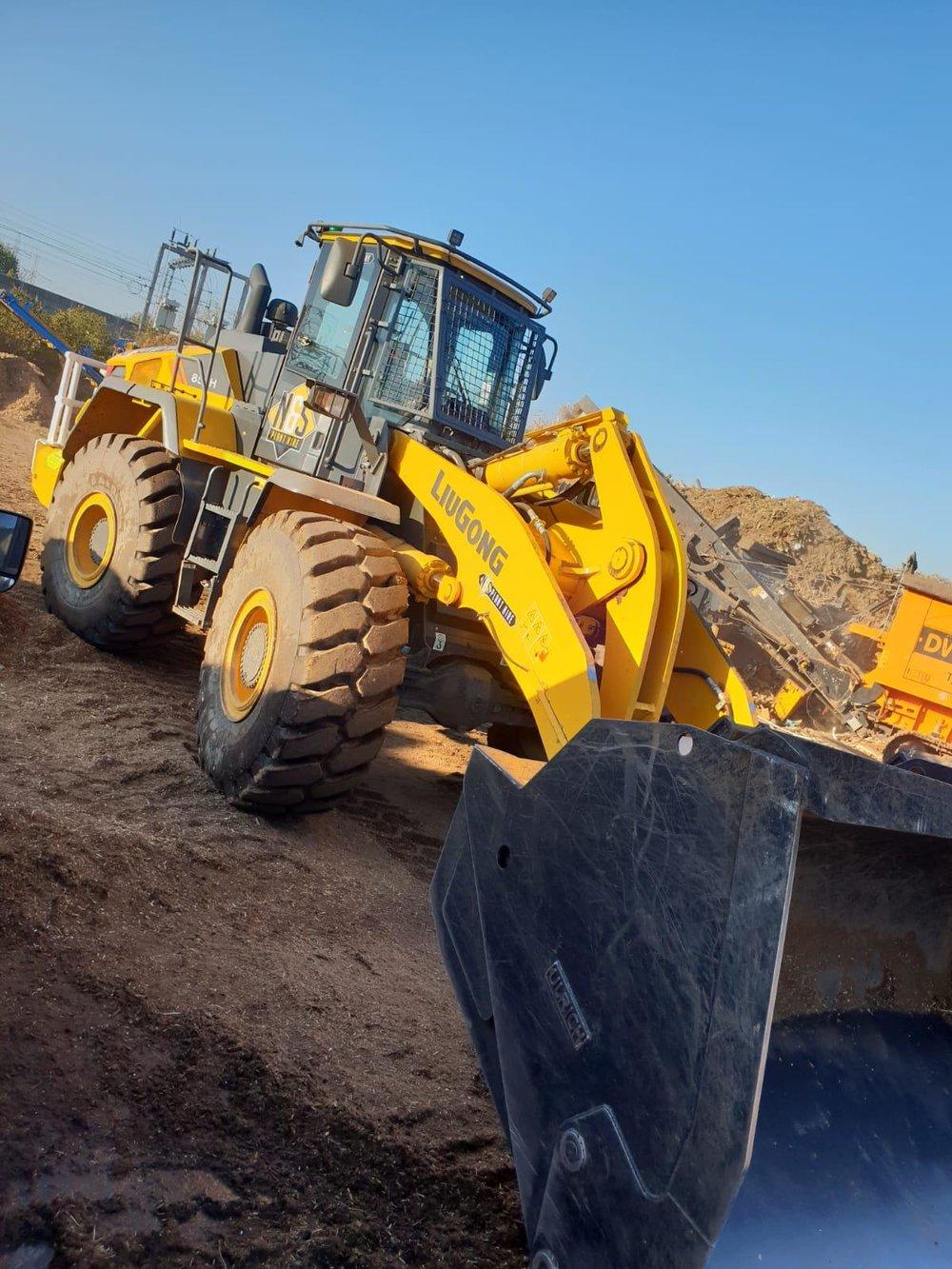 loading shovel hire suffolk