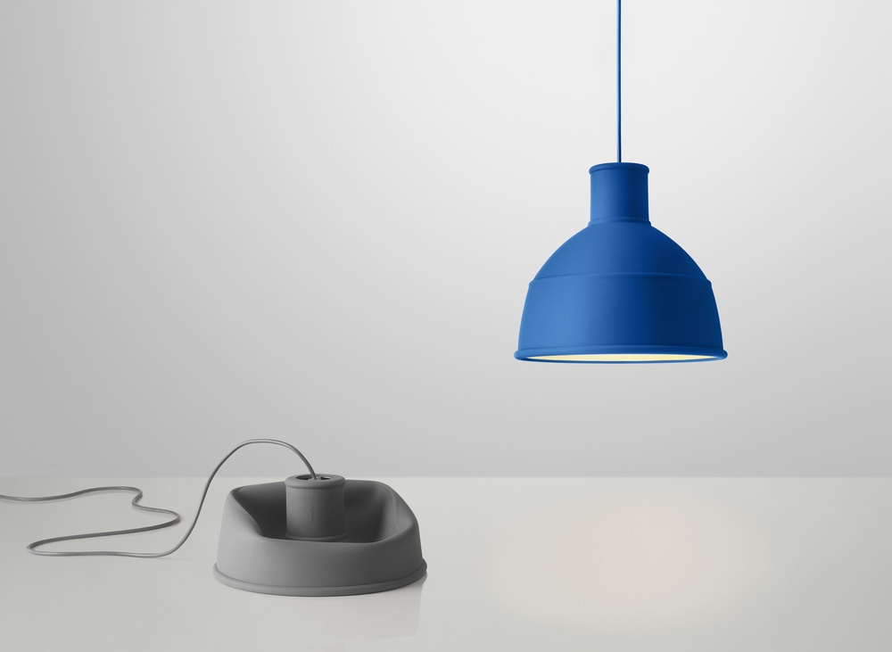 Unfold_grey-and-blue-lamp.jpg