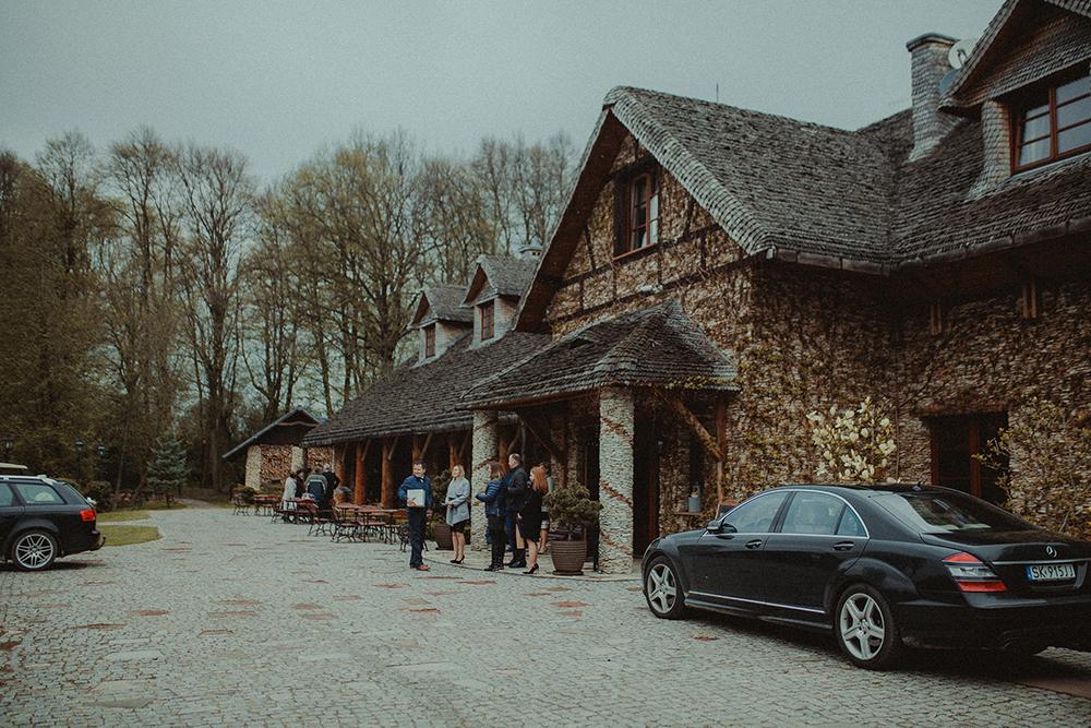 reportaz-slubny-rustykalny-stodola-w-plenerze-54.jpg