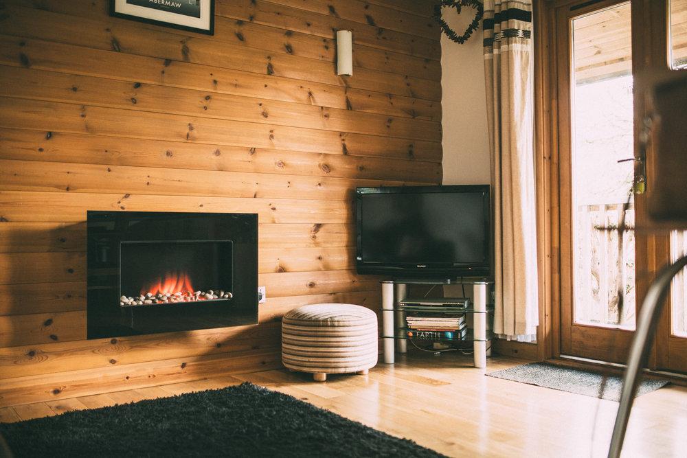 Snowdonia-Wales-Log-Cabin-Garthyfog-Darina-Stoda-Photography-23.jpg