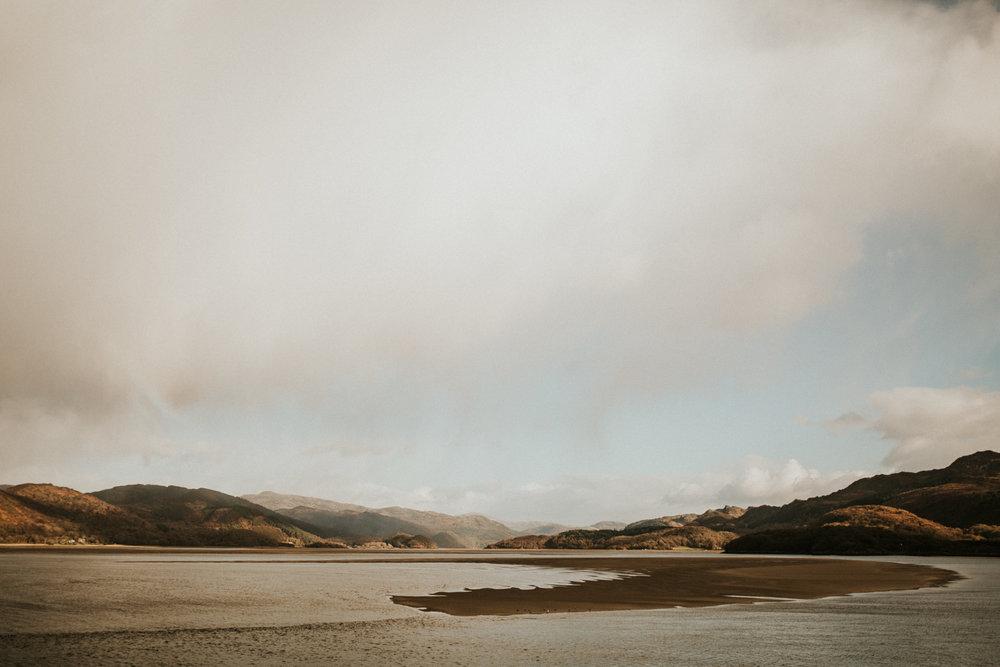 Snowdonia-Wales-Log-Cabin-Garthyfog-Darina-Stoda-Photography-26.jpg